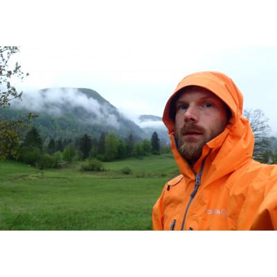 Tuotetta Norrøna - Trollveggen Gore-Tex Light Pro Jacket - Sadetakki koskeva kuva 2 käyttäjältä Douglas