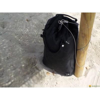 Tuotetta Pacsafe - Travelsafe X 25 - Arvoesineiden säilytyspussit koskeva kuva 3 käyttäjältä Jens