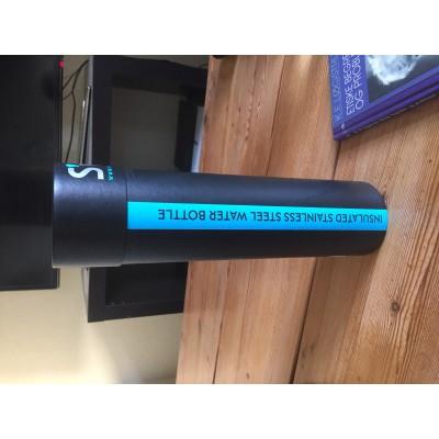 Tuotetta S'well - Bottle Stone - Juomapullo koskeva kuva 2 käyttäjältä Stine