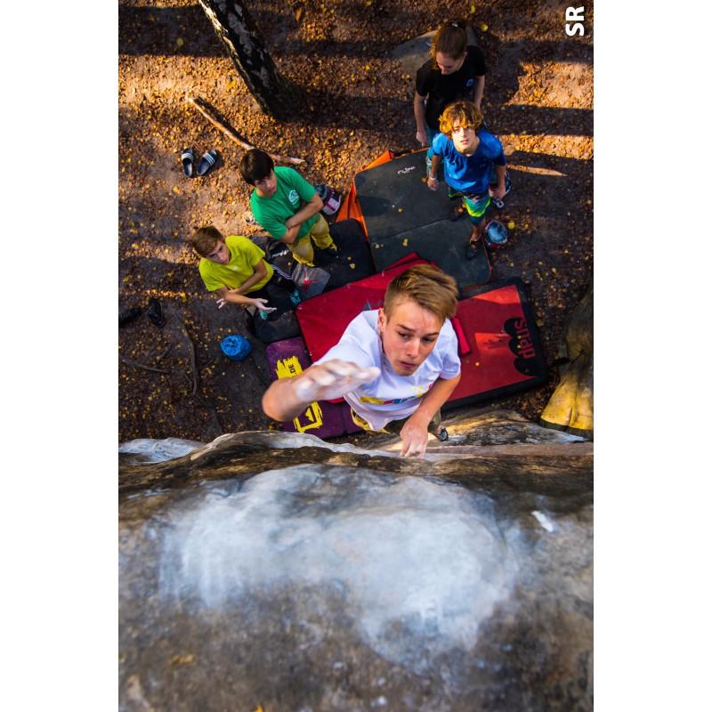 Tuotetta 7+8 3748 Straight Ups In Fontainebleau - Boulderführer koskeva kuva 1 käyttäjältä Alan