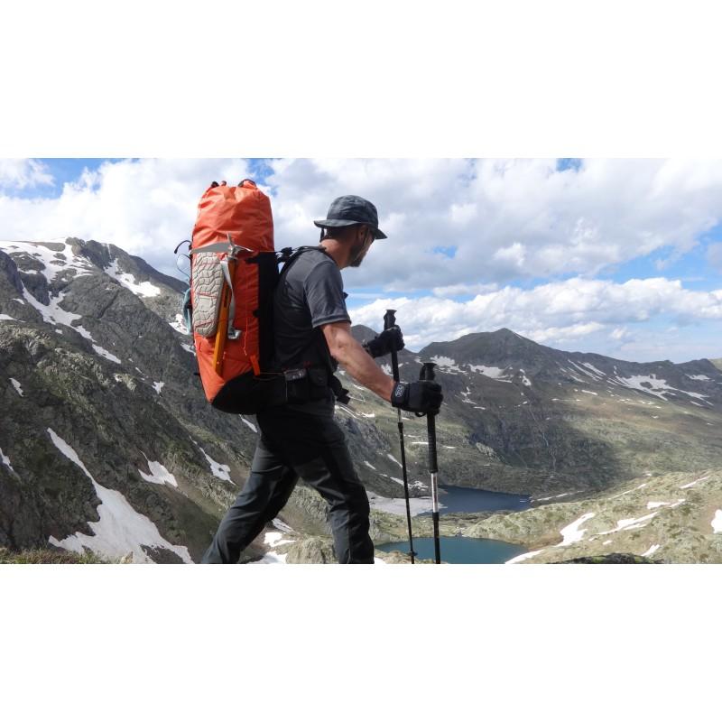 Tuotetta Climbing Technology - Agile Ice Axe - Jäähakku koskeva kuva 1 käyttäjältä Ronald