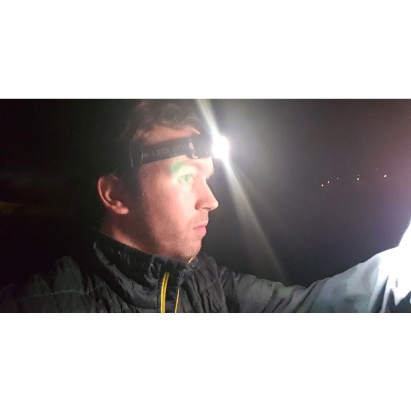 Tuotetta Ledlenser - MH10 Head Lamp Box - Otsalamppu koskeva kuva 1 käyttäjältä Dennis