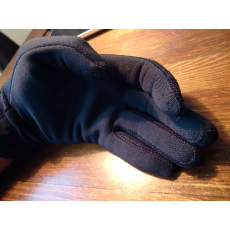 Tuotetta Mountain Hardwear - Power Stretch Glove - Käsineet koskeva kuva 1 käyttäjältä Sergej