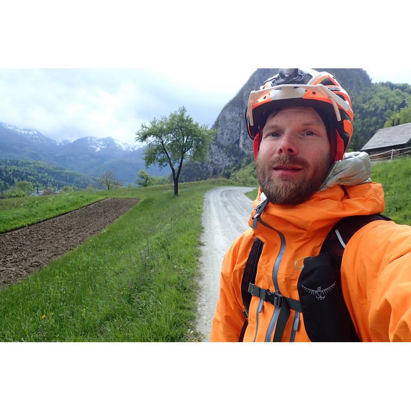 Tuotetta Norrøna - Trollveggen Gore-Tex Light Pro Jacket - Sadetakki koskeva kuva 1 käyttäjältä Douglas