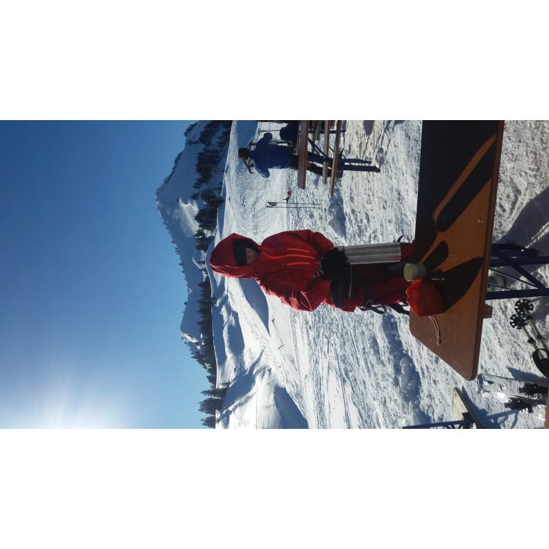 Tuotetta Ortovox - Women's Swisswool Piz Palü Jacket - Villatakki koskeva kuva 1 käyttäjältä Martina