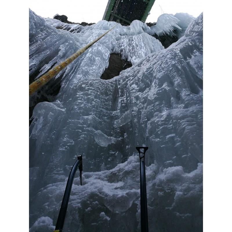 Tuotetta Salewa - North-X Ice Axe - Jäätyökalu koskeva kuva 1 käyttäjältä Julian