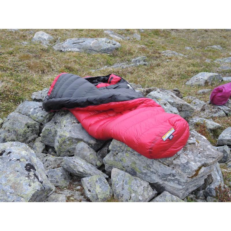 Tuotetta Western Mountaineering - AlpinLite - Untuvamakuupussi koskeva kuva 1 käyttäjältä Markus